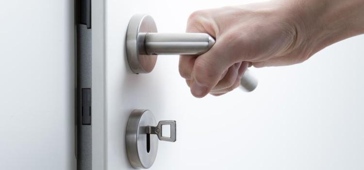Que faire en cas de blocage de la porte ?