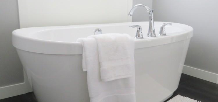 Baignoire avec porte, pour plus de confort et de bien-être